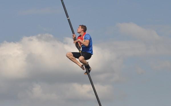 Jaco de Groot springt 18.63