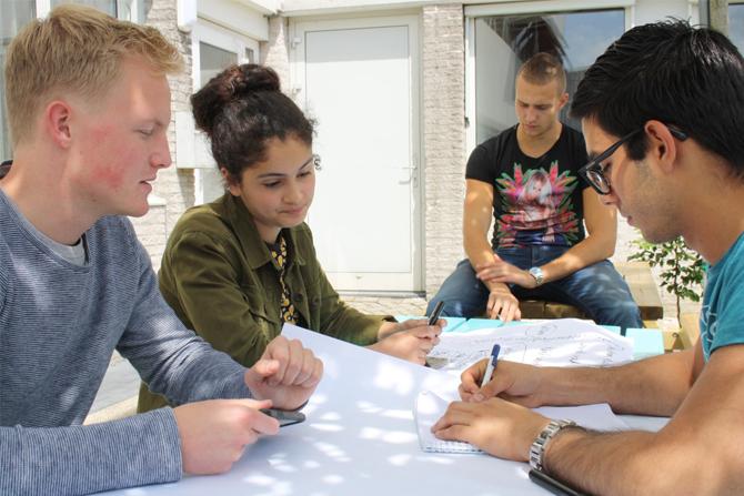 14 jongeren starten in zomervakantie eigen bedrijf