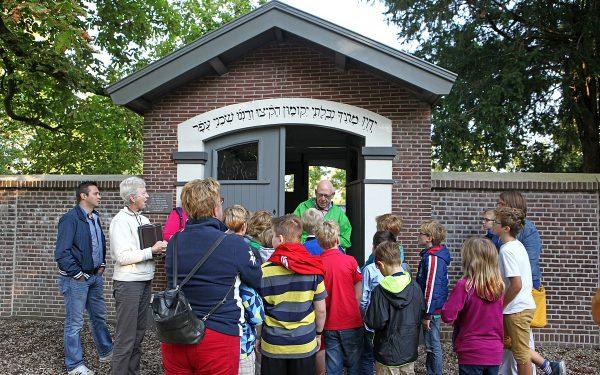 Leerlingen maken kennis met monumenten tijdens Klassendag