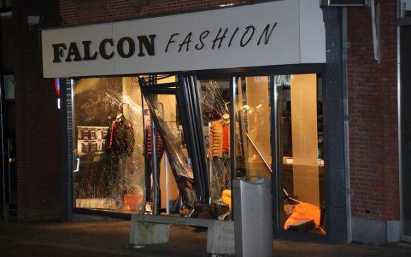 Ramkrakers Falcon Fashion voor de rechter