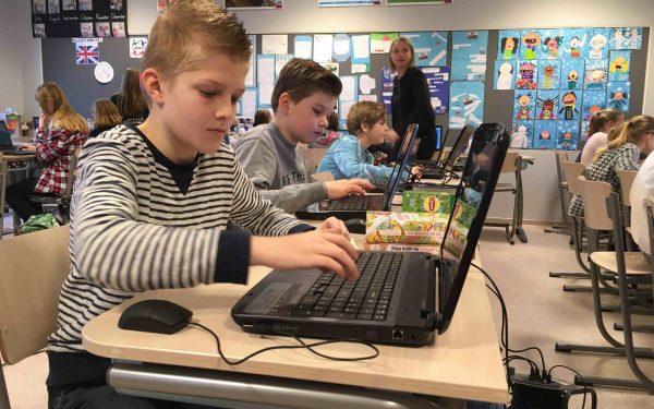 Woerdense basisschoolleerlingen leren programmeren