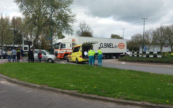 Motorrijder schuift meters over asfalt op Gildenweg
