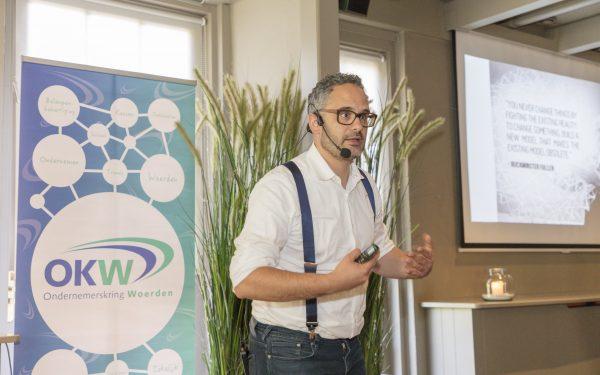 Arash Azaami inspireert OKW leden over de toekomst