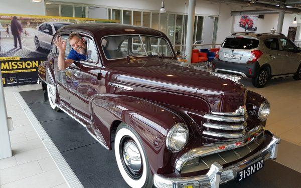 Gouden jubileum voor Gerrit de Koning bij autocentrum van Vliet