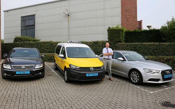Nieuwe taxi's voor van Vulpen