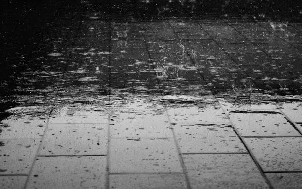 Waarschuwing: vanmiddag onweer en zware regen verwacht
