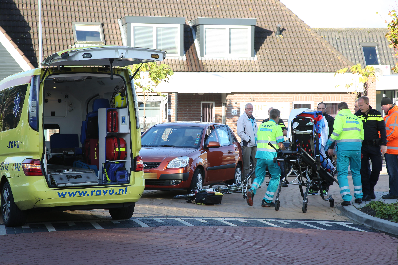 Oudere dame gewond na aanrijding met auto in Kamerik - Woerden.TV