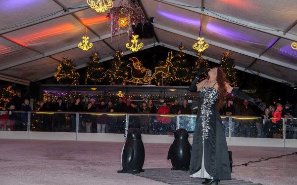 Woerdense ijsbaan feestelijk geopend