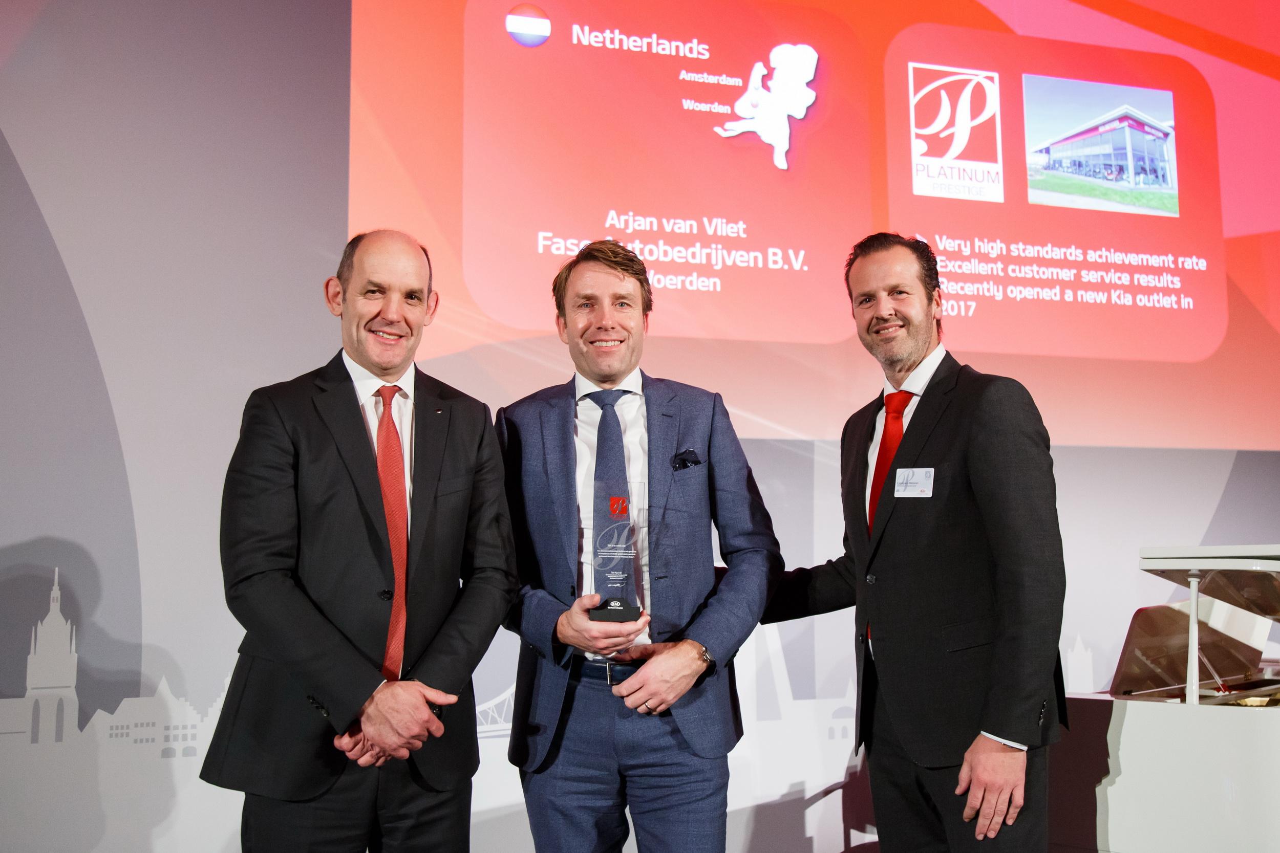 Fase Autobedrijven bekroond met Platinum Prestige Dealer Award 2018