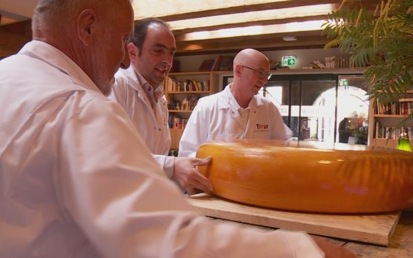 123 kilo kaas voor goed doel