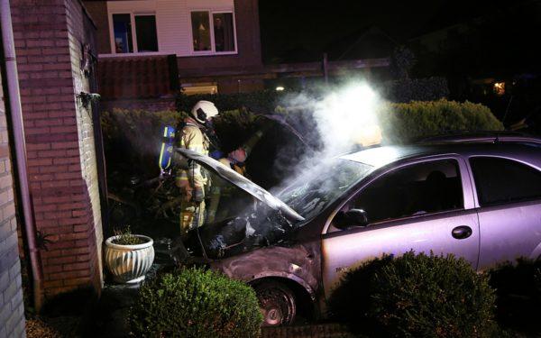 Politie zoekt getuigen van autobrand aan de Schoener