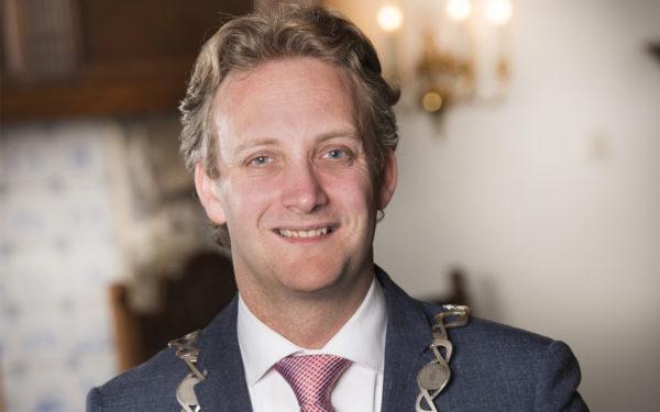 Burgemeester Oudewater: 'Hogere vergoeding voor raadsleden is sigaar uit eigen doos'