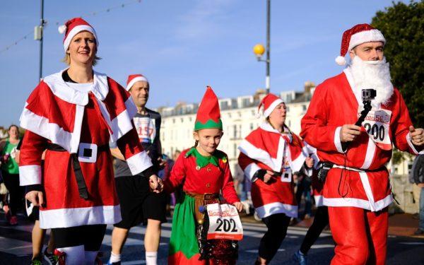 Ren jij mee verkleed als Kerstman door de stad?