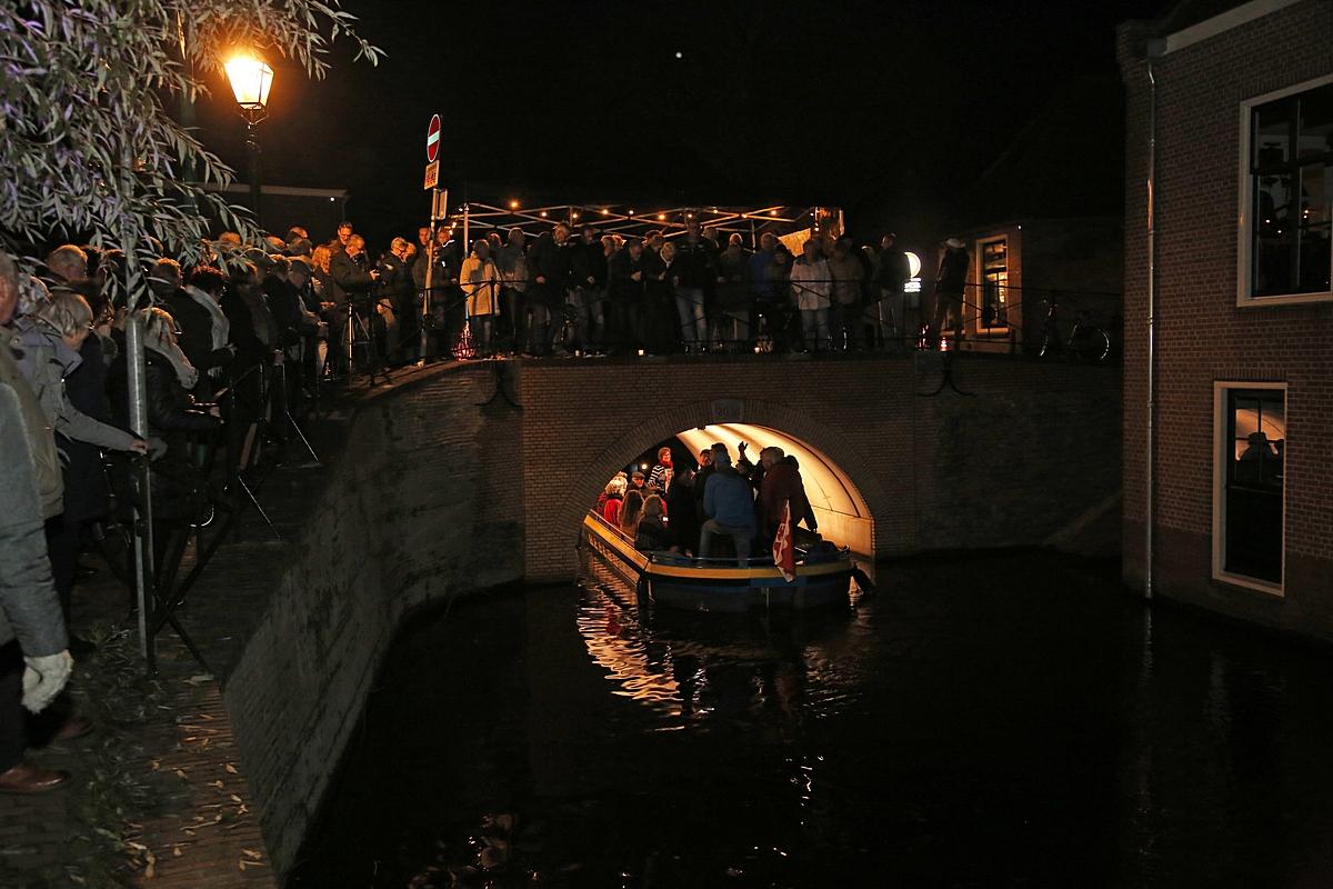 Oudewaterse Romeijnsbrug feestelijk heropend met sfeerverlichting