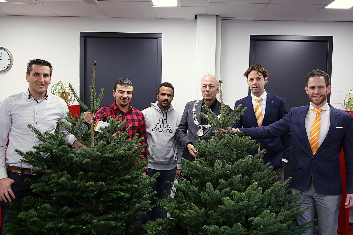 Kerstbomen brengen bijna € 9000,- op