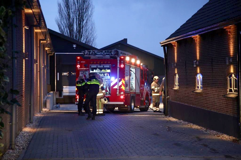 Vuurwerkafval zorgt bij Woerdense Alexander Hoeve voor brandje