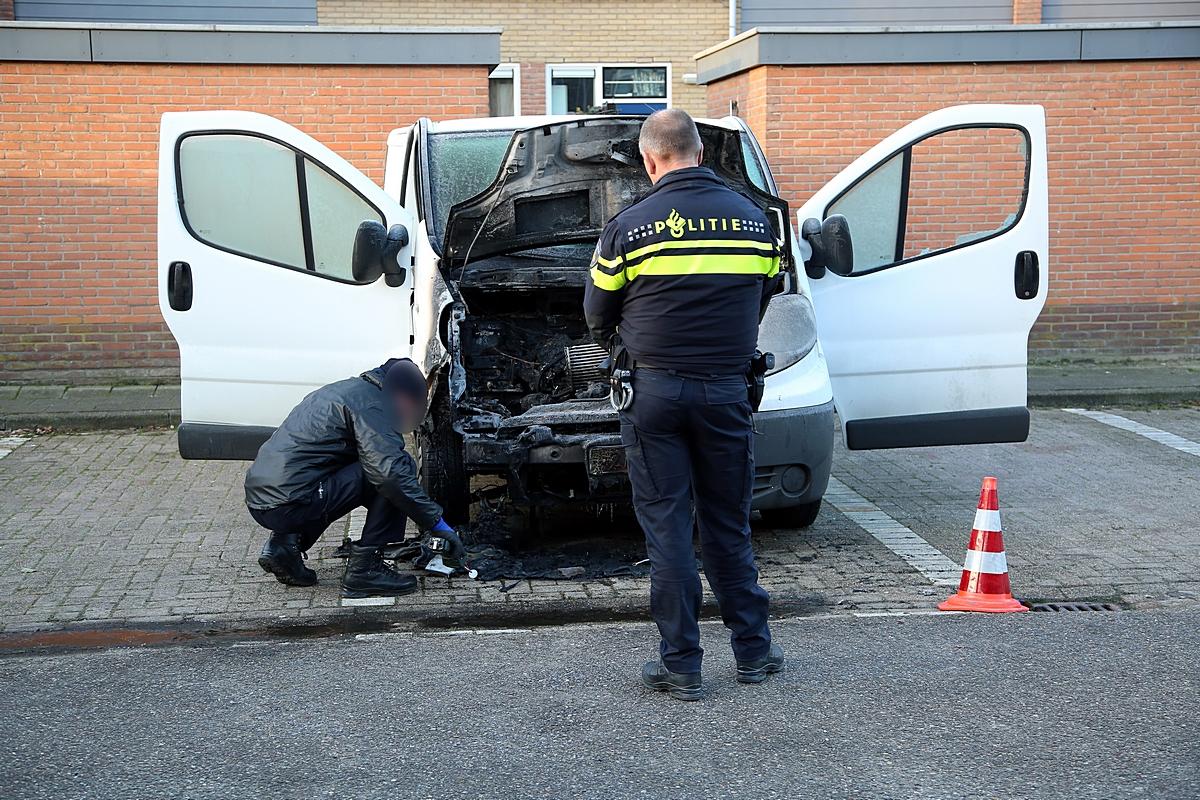Bedrijfswagen uitgebrand in Woerden