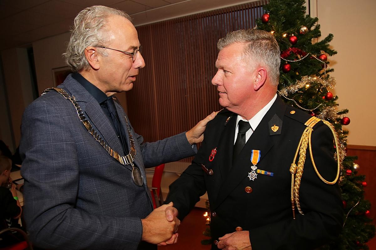 Koninklijke onderscheiding William van Leeuwen van de VRU brandweerpost Woerden