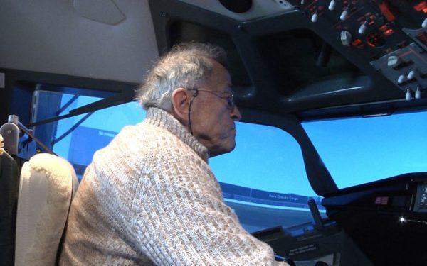 Nico uit Kamerik bouwde een cockpit in huis en zag zijn leven een vlucht nemen