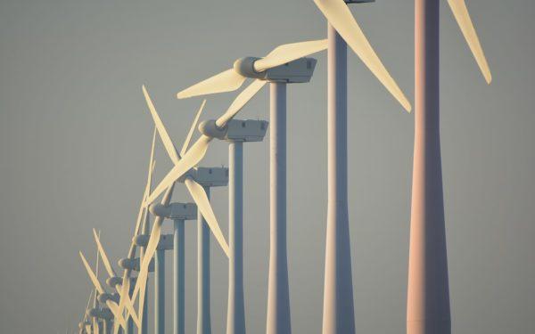 """Inwonersbelangen verbaasd dat Woerden """"blij"""" is met windmolens op de grens"""