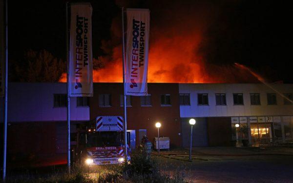 Grote brand op Jaap Bijzerweg Woerden